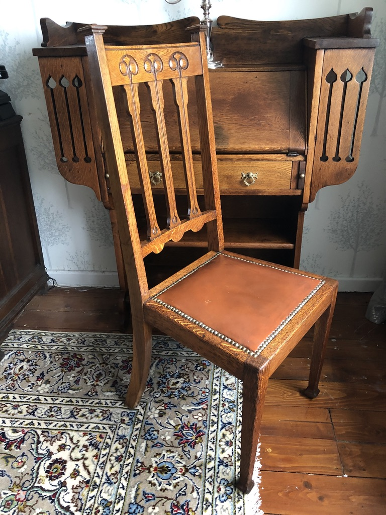 Scottish Edwardian Arts and Crafts Oak Chair