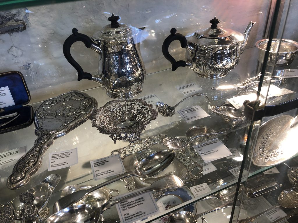 Sellection of silver including Liberty, Charles Edwards, Wiiliam Comyns & much more