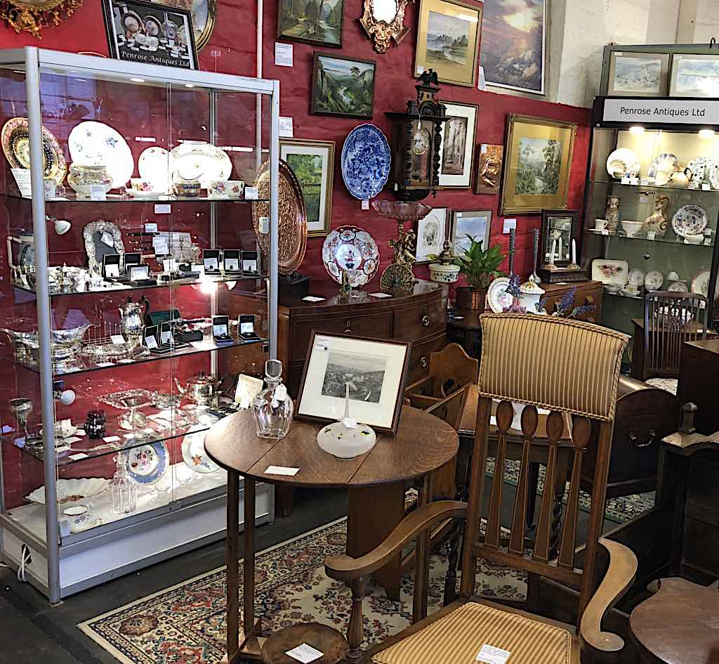 Penrose Antiques Unit Redecorated for Christmas 2020